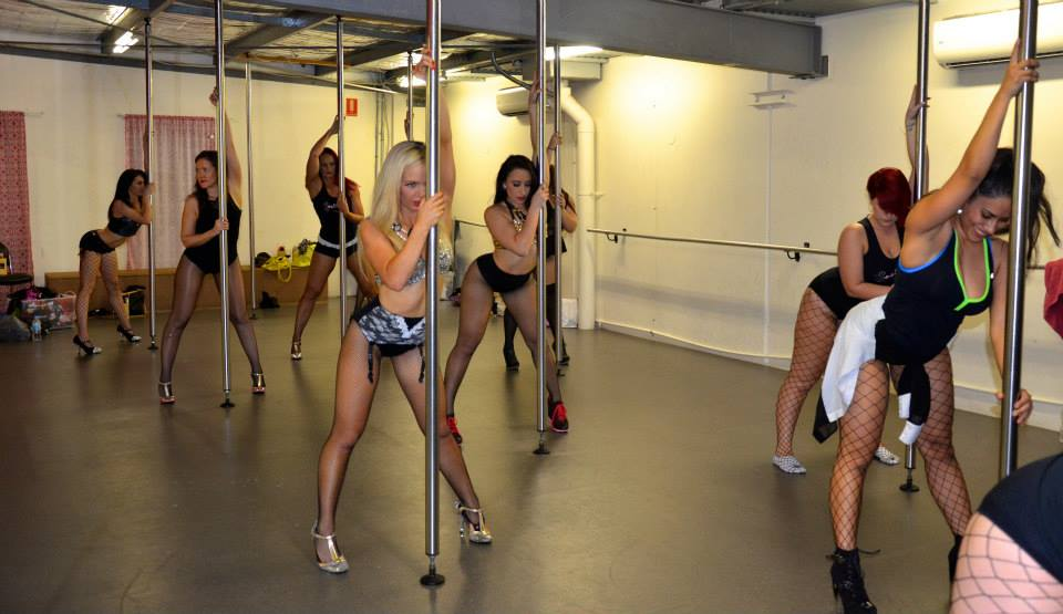 Burlesque Dolls Pole Dancing Workshops Gold Coast